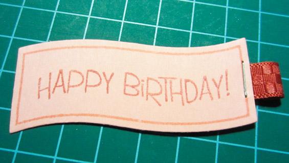 uit 1 stuk lint happy birthday